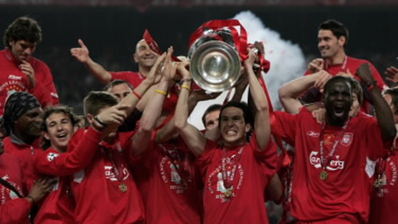 Legendary winger Luis Garcia is coming to Bulgaria with UEFA Champions League Trophy
